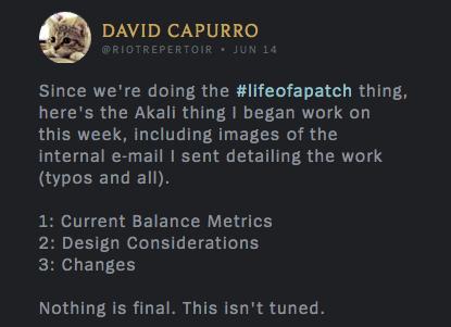 Ponieważ robimy #lifeofapatch, pokazuję nad czym zacząłem pracować z Akali w tym tygodniu plus obrazki z wewnętrznego e-maila, w którym wysłałem szczegóły prac (wraz z literówkami itd.). 1) Aktualne wskaźniki wyważenia  2) Kwestie projektowe  3) Zmiany  Nic nie jest finalne. To nie jest dopracowane.